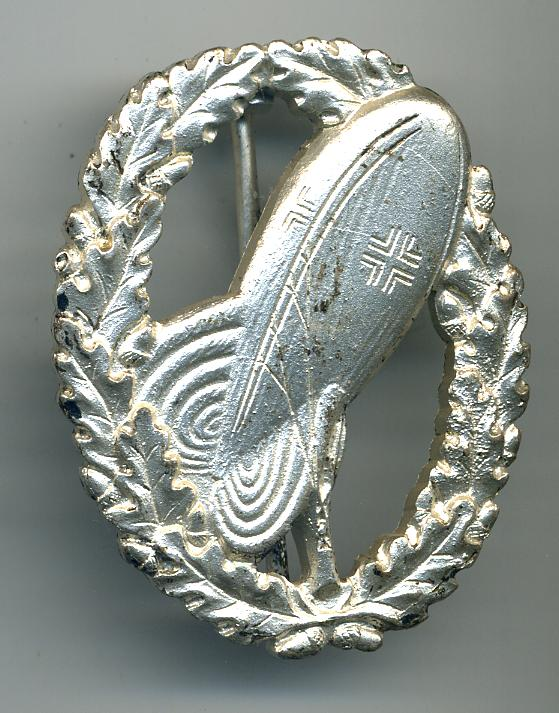 A 1957 Silver Army Balloon Observer's Badge at WWW.Thirdreichmedals.com